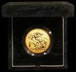 London Coins : A166 : Lot 617 : Five Pounds 2001 Gold BU in the Royal Mint's green velvet box of issue with certificate