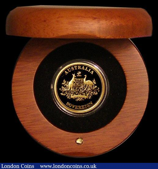 Australia Gold $25 Sovereign 2010 Perth Mint, Proof, a small 'lump' in the reverse field by the first A in AUSTRALIA otherwise nFDC-FDC in the Perth Mint round wooden box with certificate : World Cased : Auction 168 : Lot 645