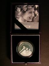 London Coins : A122 : Lot 726 : Five Pound Crown 2006 Queen's 80th Birthday Platinum Proof Piedfort FDC boxed as issued with certifi...